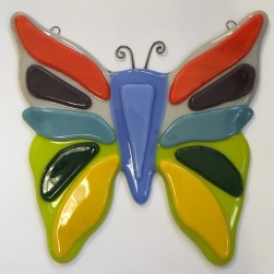 https://ericksonsheirlooms.com/2017/12/01/fused-glass-wall-art-birds-butterflies-etc/